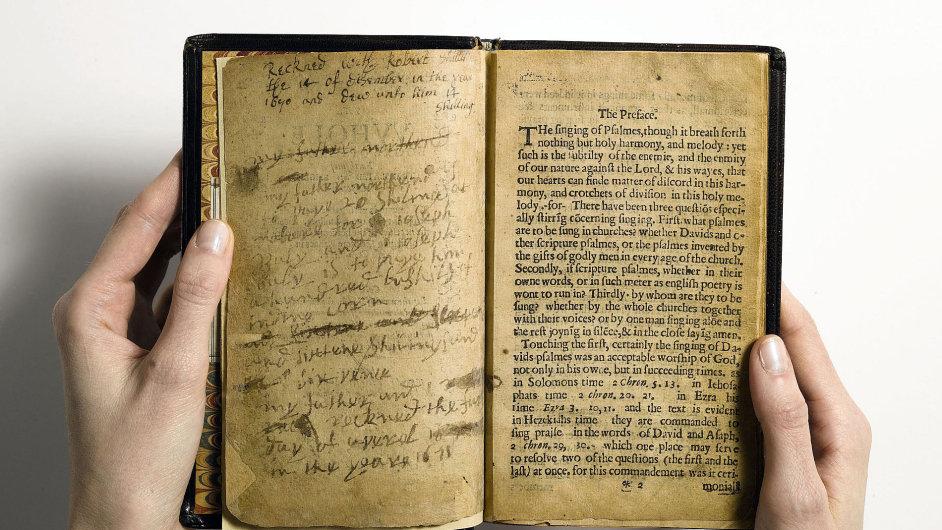 Nejdražší vydraženou tištěnou publikací je Kniha žalmů Bay Psalm Book