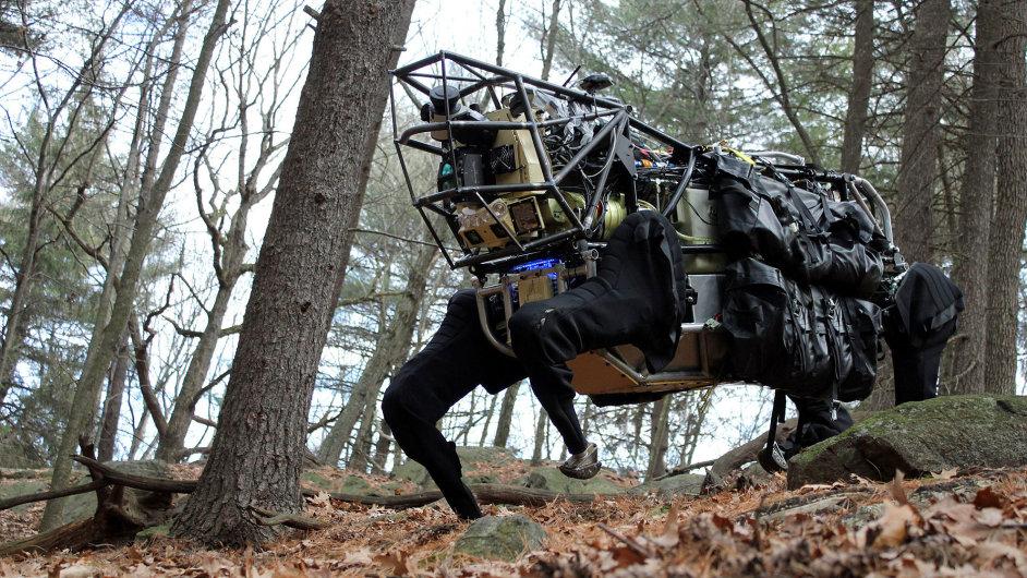 Robot LS3 AlphaDog společnosti Boston Dynamics
