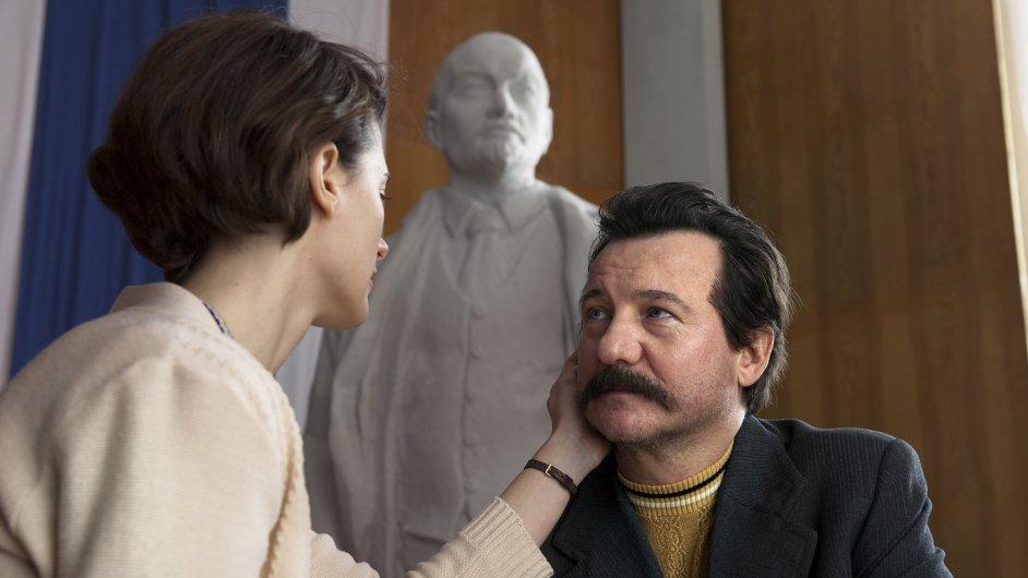 Robert Wieckiewicz, který si ve filmu zahrál Walesu, do Karlových Varů přijede osobně.