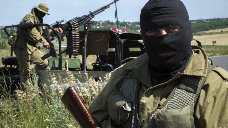 Proruští separatisté patrolují vzdušný prostor blízko Luhanska.