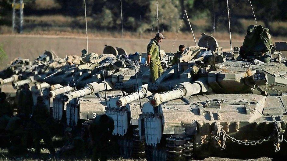 Izrael nasadil při invazi do Pásma Gazy tanky (ilustrační foto).