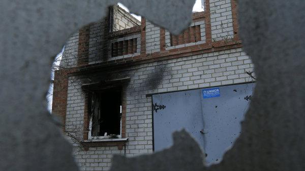 Budova ve vesnici Semjonovka poškozená těžkými boji mezhi proruskými povstalci a ukrajinskými vojáky.