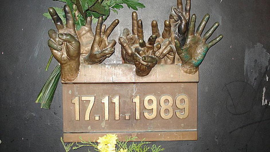 Pomník 17. listopadu