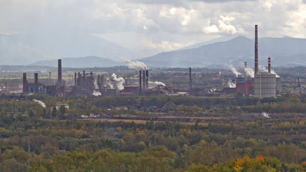 B�sn�k Hru�ka: Ostrava je k ze��len� stra�n�, ale tak� neodolateln� kr�sn�
