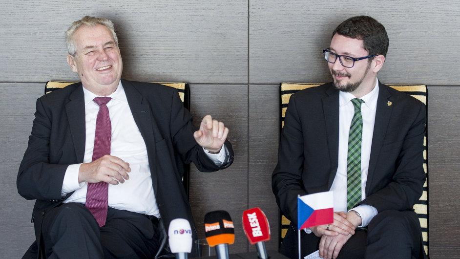 Prezident Miloš Zeman a jeho mluvčí Jiří Ovčáček.
