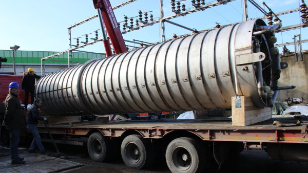 Testování právě začíná. Americký výrobce NuScale Energy převezl parogenerátor malého reaktoru na zkoušky do Itálie.