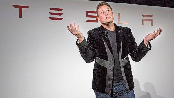 Podle Elona Muska by mohla jeho Tesla Motors do t�� let vyr�b�t elektromobily i v ��n�.