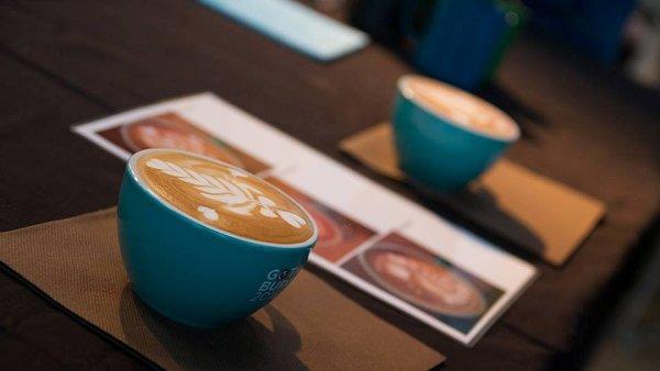 Ji� podvan�ct� se letos konala n�rodn� sout� Barista roku. Kategorii Latte Art vyhr�l Vojt�ch C�fka.