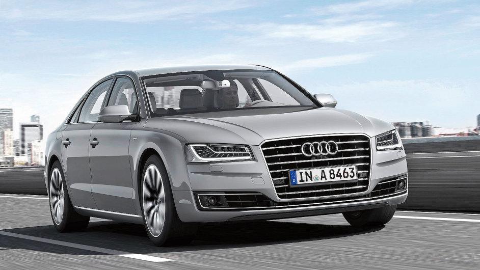 Audi A8 působí sice majestátně, po šesti letech na silnici už ale tvary nepřekvapí.
