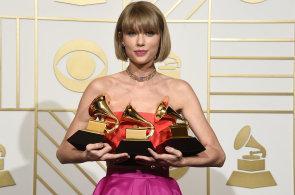 Nejv�d�le�n�j�� celebritou sou�asnosti je zp�va�ka Taylor Swift. Dvac�tku uzav�r� kouzeln�k Copperfield