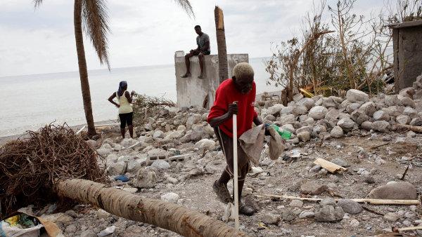 Hurikán Matthew zabil podle nové bilance na Haiti 1000 lidí.