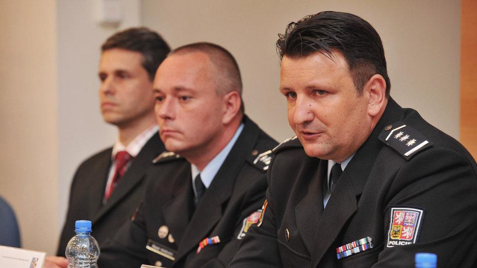 Karel Kadlec a policejní prezident Tomáš Tuhý (vpravo).