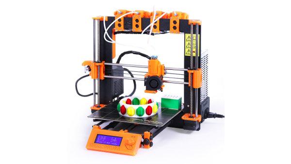 Tiskárna Prusa i3 MK2 upravená pro tisk se čtyřmi filamenty najednou