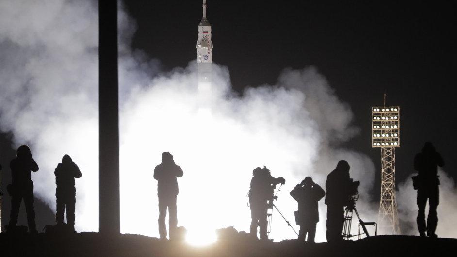 Vesmír, Sojuz, start, raketa