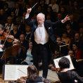 Jak se hledá šéfdirigent: Českou filharmonii nejspíš po Jiřím Bělohlávkovi povede cizinec