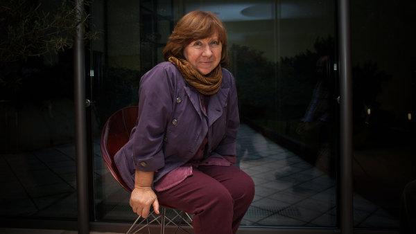 Před třemi lety Alexijevičová svou tvorbu představila na Festivalu spisovatelů Praha, brzy poté obdržela Nobelovu cenu za literaturu.