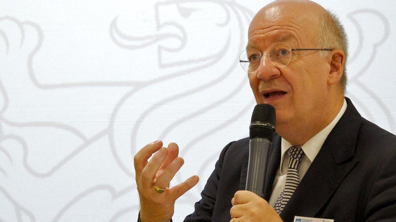 Testbed. Otevření národního centra Průmyslu 4.0 se účastnil německý profesor Wolfgang Wahlstern, který s tímto termínem jako první přišel.