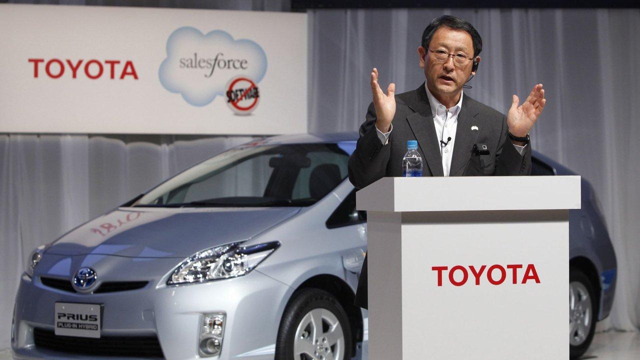 Toyota je opět největším výrobcem aut