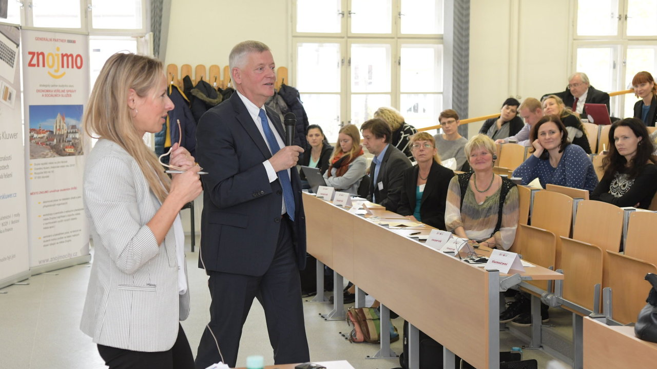 Vysoký úředník rakouského ministerstva financí Michael Engelbert na konferenci ve Znojmě.