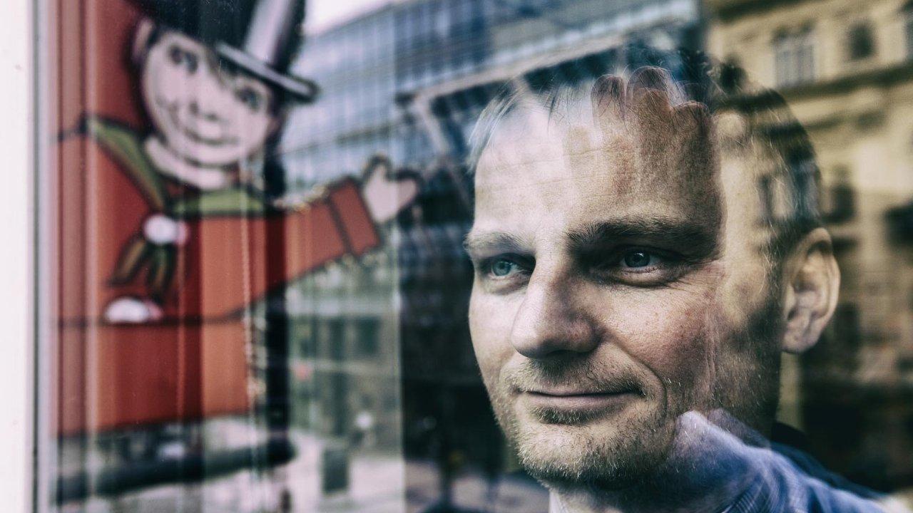 Čtyři prodejny jsou tak akorát: Větší potenciál vČesku není, tvrdí majitel licence naobchod shračkami Hamleys Pavel Čmelík.