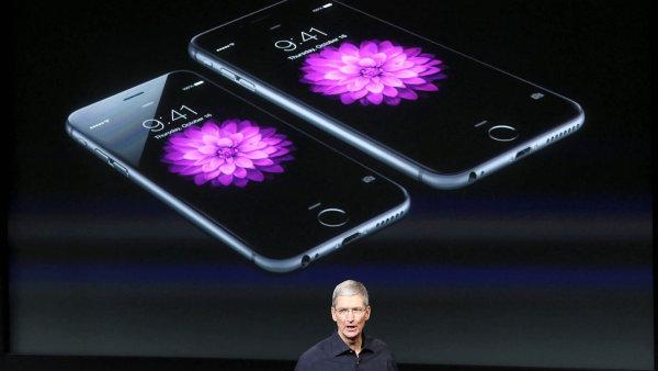 Apple uvede na trh obří iPhone.