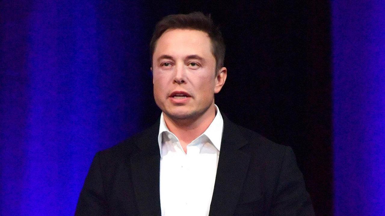 Elon Musk si zavařil. Stále nedal jasnou odpověď nato, kde sežene potřebné peníze navykoupení akcionářů astažení automobilky zburzy.