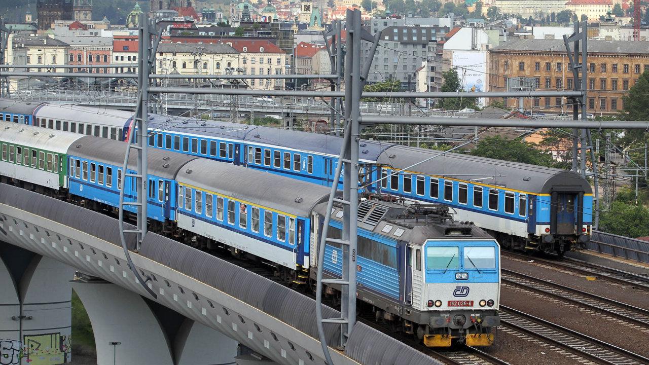 Vlaky většinou české politiky nezajímaly.