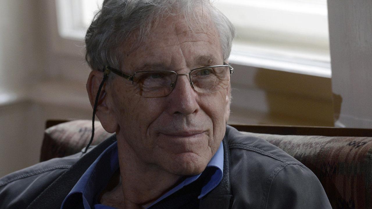 Izraelský spisovatel Amos Oz ve čtvrtek převzal Cenu Franze Kafky.