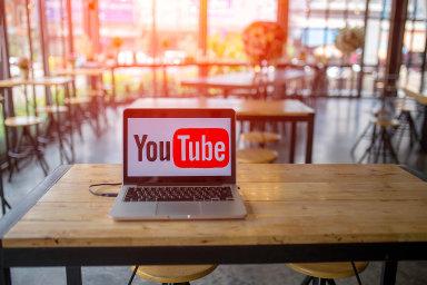 Téma  YouTube - Ekonom.cz  Web týdeníku EKONOM cdcd117d886