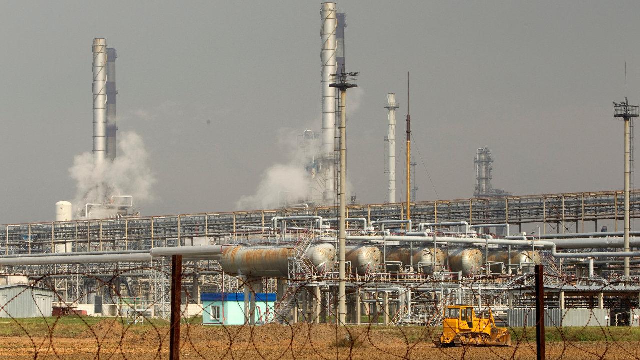 Rafinerie u ropovodu Družba.