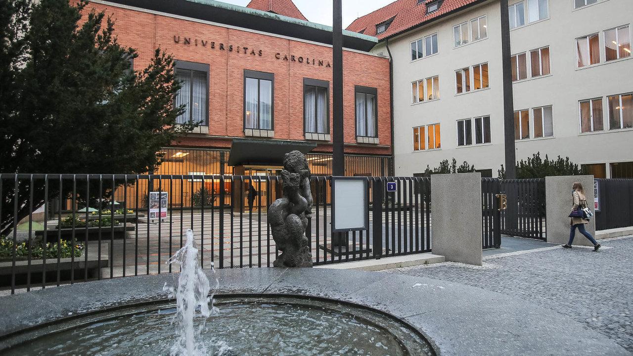Univerzita Karlova investuje zhruba miliardu korun dodostavby minikampusu Lékařské fakulty vPlzni. Dočtyř let tak vPlzni vznikne moderní pracoviště pro budoucí lékaře.