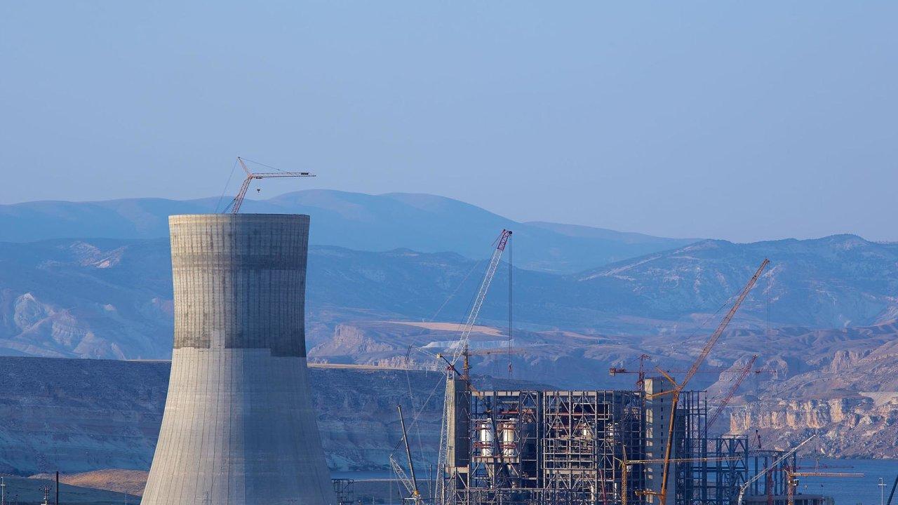 Opuštěný areál. Projekt s elektrárnou Adularya je pro český stát ztrátový a není jisté, zda a jak dostane peníze zpátky.