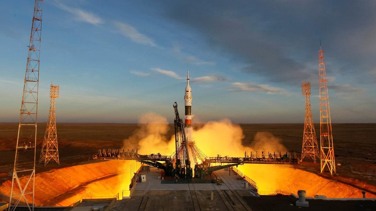 Raketa Sojuz MS-11 dopravila v prosinci k ISS tříčlennou posádku, jejímž úkolem bylo mimo jiné prozkoumání záhadného otvoru v Sojuzu MS-09.
