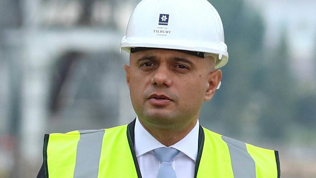 Zdroje jsou. Ministr financí Javid slíbil peníze například napřepravu léků loděmi vpřípadě brexitu bez dohody.