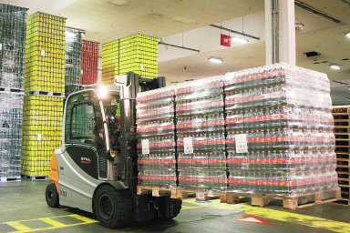 Od září Tomu, která na trh dodává kromě pramenité vody z Adršpašských skal také džusy a ledové čaje, převezme společnost Coca-Cola HBC Česko a Slovensko. Ilustrační foto.