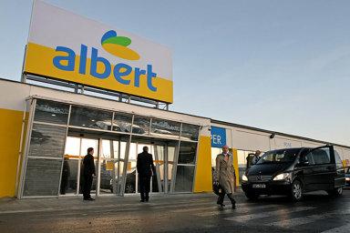 Každý provozní zaměstnanec prodejce Albert má zaručené navýšení minimálně o pět procent, což garantuje i kolektivní smlouva.