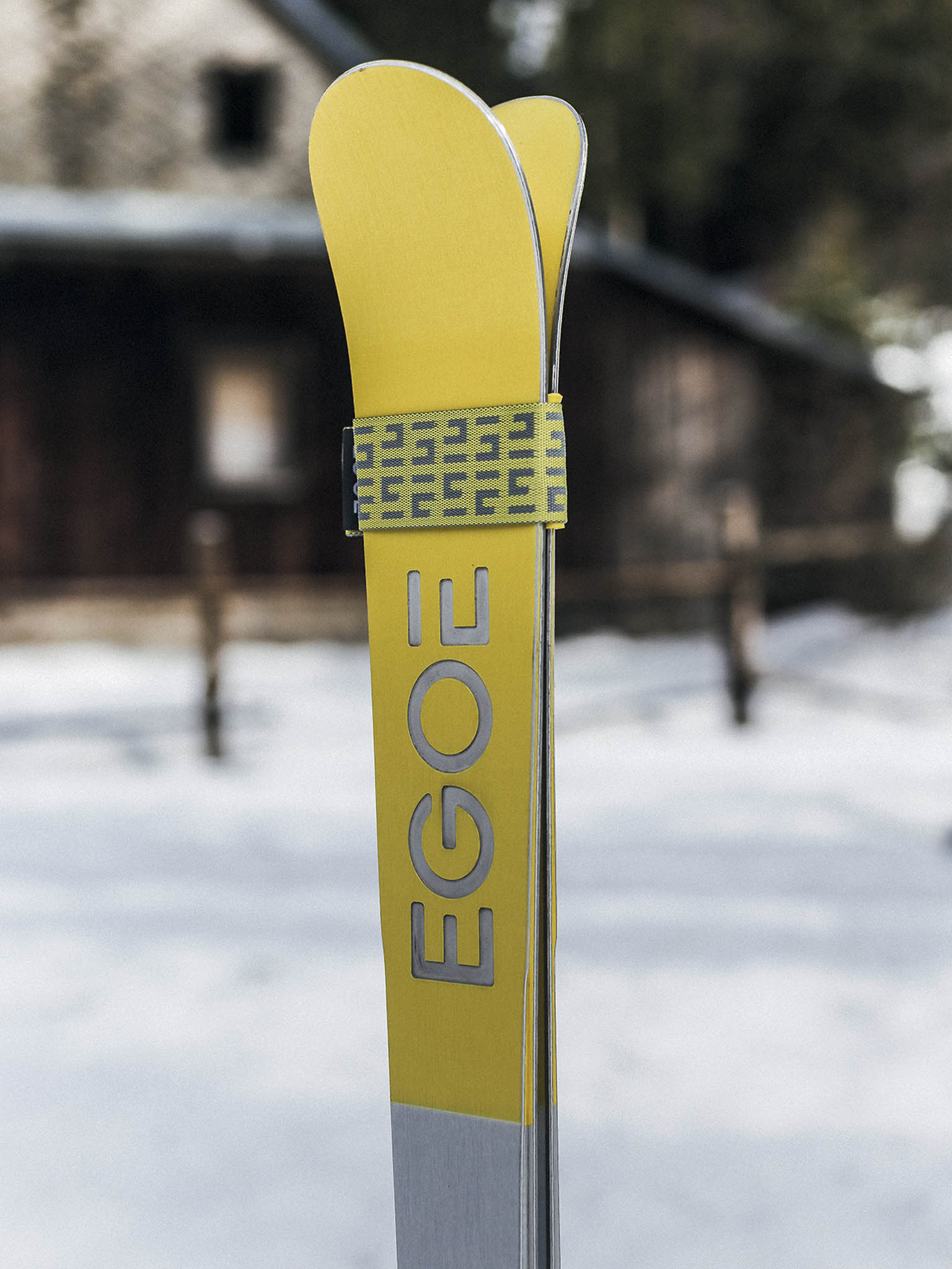 Kvalitní české lyže snezaměnitelným designem