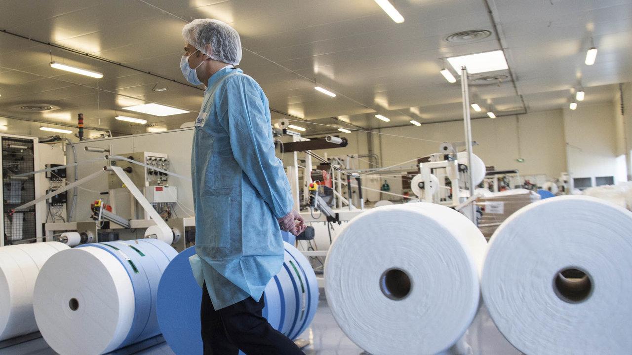 Emmanuel Macron navštívil továrnu společnosti Kolmi-Hopen.