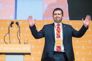 Šéf pro krizi i pro stranu? V pandemii byl Jan Hamáček vidět jako jeden z bojovníků proti viru. Nyní se chce osvědčit ve volební kampani ČSSD.