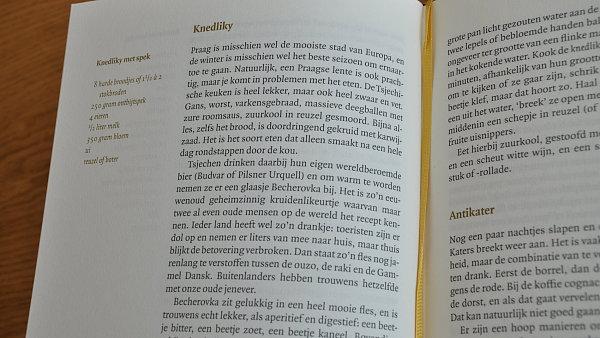 Recept na knedlíky se špekem v holandštině (autorkou knihy je Sylvia Witteman)