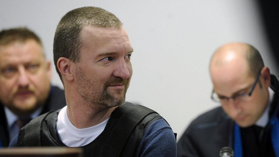 Tomáš Pitr u soudu počátkem června roku 2012