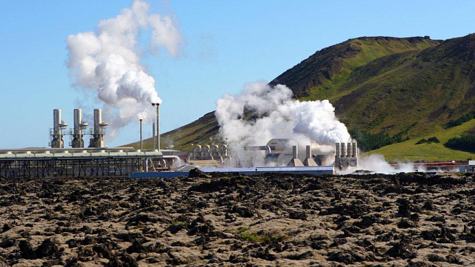 Takto vypadají geotermální elektrárny na Islandu.