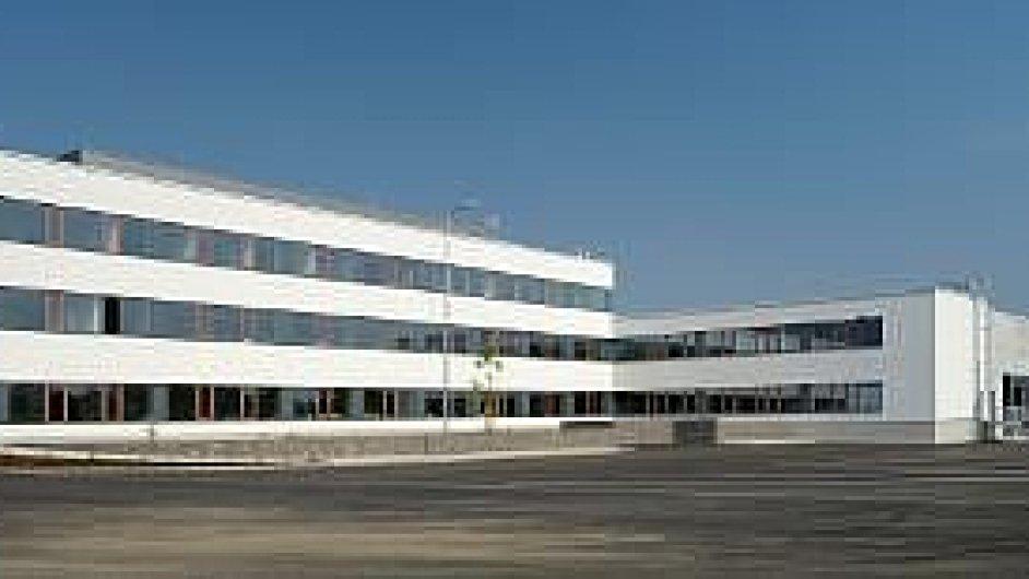 DB Schenker otevřel v Rudné novou centrálu a skladový terminál