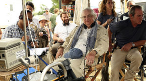 Re�is�r Bertrand Tavernier p�i nat��en� filmu V elektrizuj�c� mlze