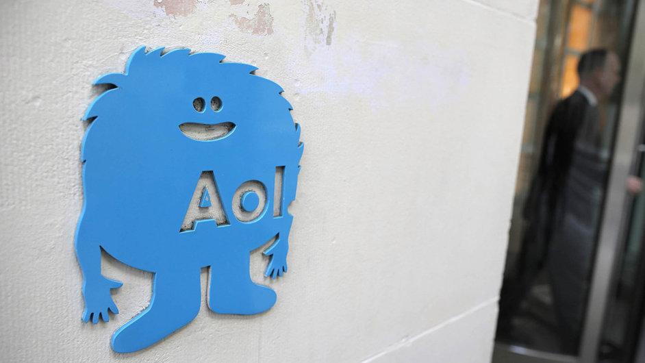 Nezkoušeli jste někdo zřídit BÚ s kartou u slovenského FIO online?