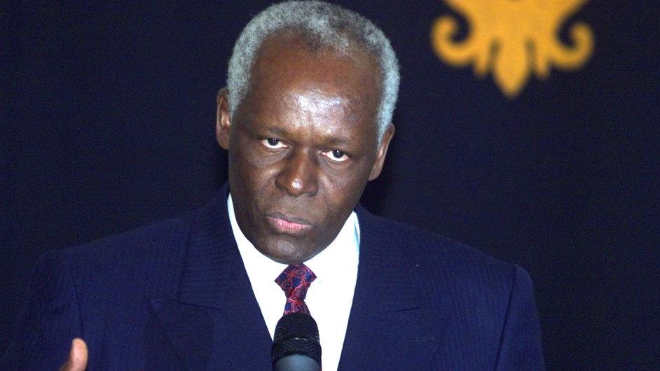 Prezident Angoly José Eduardo dos Santos z nepokojů vinní opozici.
