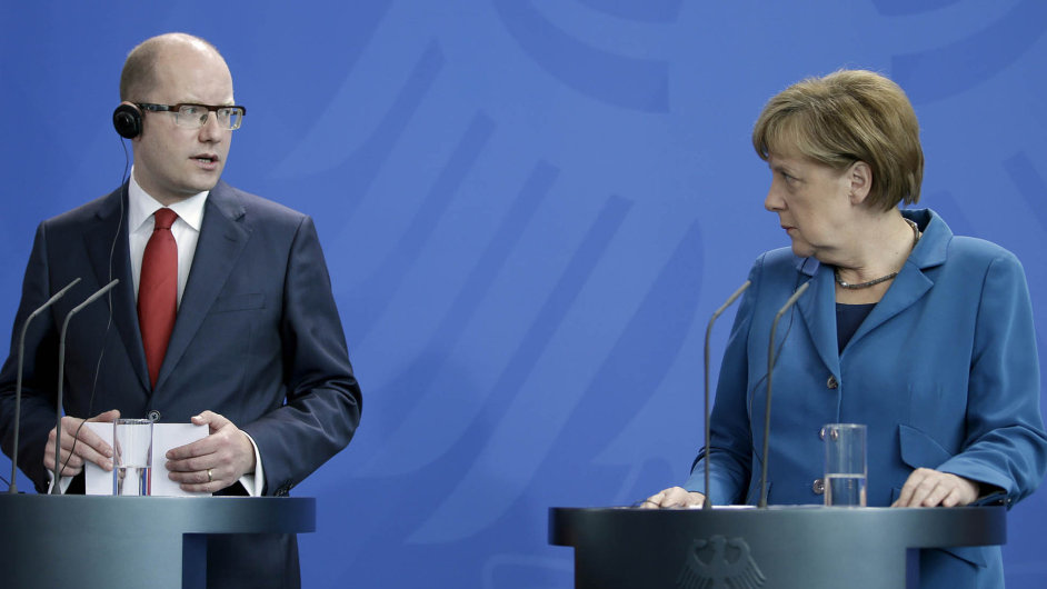 Česko-německé vztahy se po letech úspěchů propadly za premiéra Bohuslava Sobotky a kancléřky Angely Merkelové na bod mrazu.