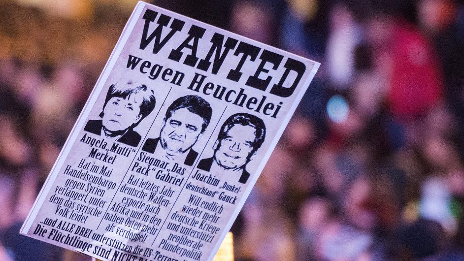 Z pondělní demonstrace hnutí Pegida v Drážďanech.