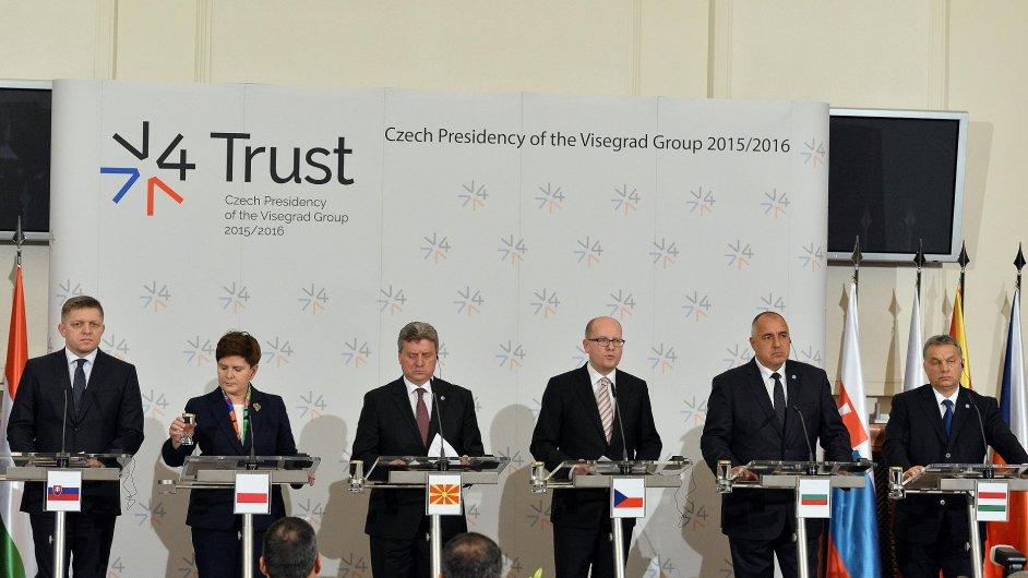 Mimořádný summit zemí visegrádské skupiny, Makedonie a Bulharska 15. února v Praze.