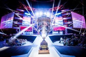 TEST: Alza Intel Extreme Masters Champion Top je ideál herního počítače podle Intelu
